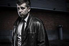 Портрет загадочного молодого человека агента Стоковое фото RF