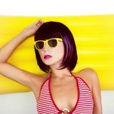 портрет пляжа чувственной девушки Стоковая Фотография RF