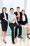 Портрет предпринимателей в офисе стоковая фотография rf