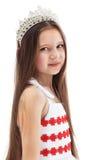 Портрет прелестно маленькой девочки в кроне Стоковые Фотографии RF