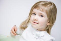 Портрет прелестно маленькой девочки Стоковая Фотография RF