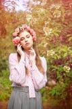 Портрет привлекательной молодой женщины Стоковые Изображения