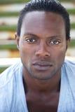 Портрет привлекательного Афро-американского человека стоковое изображение rf