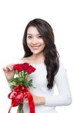 Портрет привлекательной азиатской усмехаясь молодой женщины изолированной на whi Стоковое фото RF