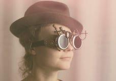 Портрет привлекательной девушки steampunk Стоковое фото RF