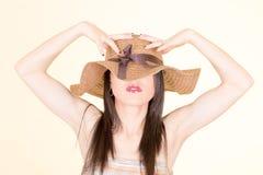 Портрет привлекательной шикарной сексуальной шляпы женщины Стоковые Изображения RF