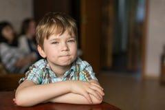 Портрет пятилетнего старого мальчика Счастливый Стоковое Изображение
