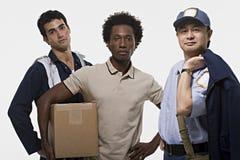 Портрет работника доставляющего покупки на дом и почтальона механика Стоковые Фотографии RF