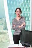 Портрет работника офиса девушки Стоковая Фотография RF