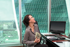 Портрет работника офиса девушки Стоковая Фотография