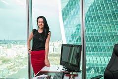 Портрет работника офиса девушки Стоковое Изображение