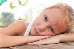 портрет ребенка унылый стоковые изображения rf