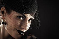 Портрет ретро женщины в вуали Стоковая Фотография RF
