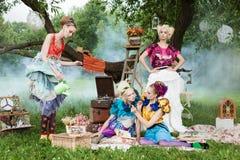 Портрет романтичных женщин в fairy пуще Стоковое Фото