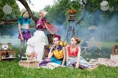 Портрет романтичных женщин в fairy пуще Стоковое Изображение
