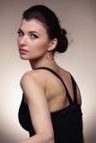 Портрет роскошной женщины в исключительных ювелирных изделиях Стоковое Изображение RF