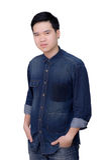 Портрет рубашки джинсов азиатского человека нося Стоковая Фотография RF
