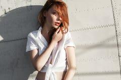 Портрет рыжеволосого конца-вверх девушки Стоковая Фотография