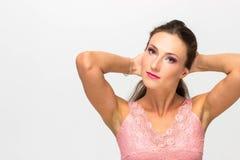 Портрет сексуальной девушки с красивыми волосами, касающими волосами Стоковые Изображения