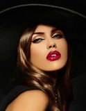 Портрет сексуальной модельной женщины с красочными губами улучшает skean Стоковые Фотографии RF