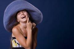 Портрет смеясь над девушк-подростка Стоковое Изображение