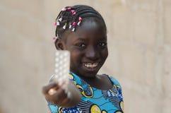 Портрет снятый африканской черной девушки с медициной Стоковое Изображение RF