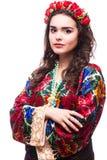Портрет соотечественника жизнерадостной украинской девушки нося вышил рубашке Стоковая Фотография