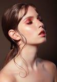 Портрет способа молодой женщины стоковые фото