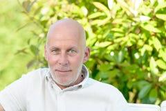Портрет средн-постаретого человека стоковое изображение rf