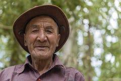Портрет старого тибетского человека Стоковое фото RF