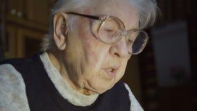 Очень старая бабушка видео фото 111-598