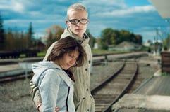 Портрет стильной молодой пары Стоковые Изображения