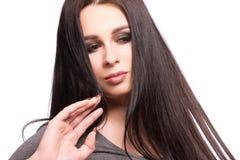 Портрет стороны женщины красоты с чистой свежей кожей, длинными волосами и Стоковые Фото