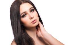 Портрет стороны женщины красоты с чистой свежей кожей, длинными волосами и Стоковая Фотография