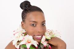 Портрет стороны ` s женщины с венком цветков изолированных на светлой предпосылке стоковые изображения