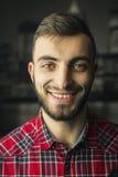 Портрет студии задушевно молодого человека стоковое изображение rf