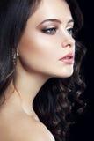 Портрет студии конца-вверх красивой женщины Стоковое Фото