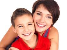 Портрет счастливой молодой мати с сынком стоковые изображения rf