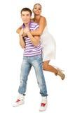 Портрет счастливой молодой пары имея потеху Стоковые Изображения RF