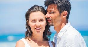 Портрет счастливой молодой пары Стоковое Фото