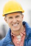 Портрет счастливого рабочий-строителя Стоковое Изображение RF