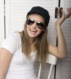 Портрет счастливого смешного девочка-подростка Стоковое фото RF