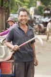 Портрет счастливого junkman стоковые фотографии rf