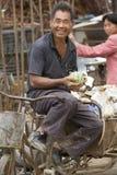 Портрет счастливого junkman стоковые изображения rf