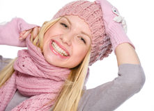 Портрет счастливой девушки в одеждах зимы Стоковые Фотографии RF
