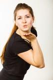 Портрет счастливой привлекательной женщины посылая поцелуй воздуха Стоковое фото RF