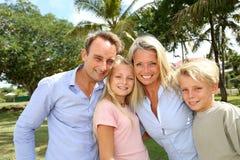 Портрет счастливой семьи стоковые изображения rf