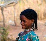 Портрет татуированной женщины Poli племени Mbororo aka Wodaabe, Камеруна Стоковые Фотографии RF