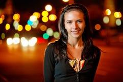 портрет темной девушки с волосами славный Стоковые Изображения RF