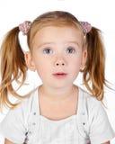Портрет удивленной изолированной маленькой девочки Стоковые Изображения